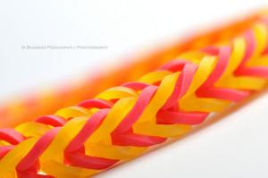 Színes gumipertli
